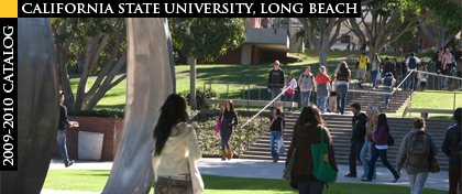 CSULB students walk to class